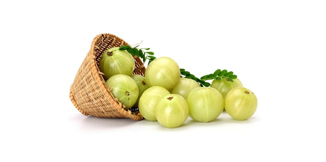 Gooseberry to remove dandruff