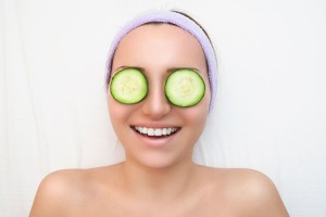 Best Home Remedies To Remove Dark Circles Completely