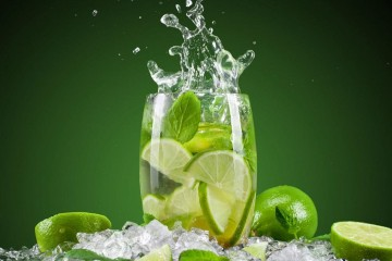 10 Benefits Of Starting Your Day With Lemon Water