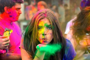 Tips You Must Know To Remove Holi Colours Easily