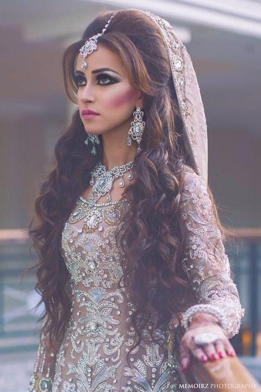20 Gorgeous Indian Wedding Hairstyle Ideas