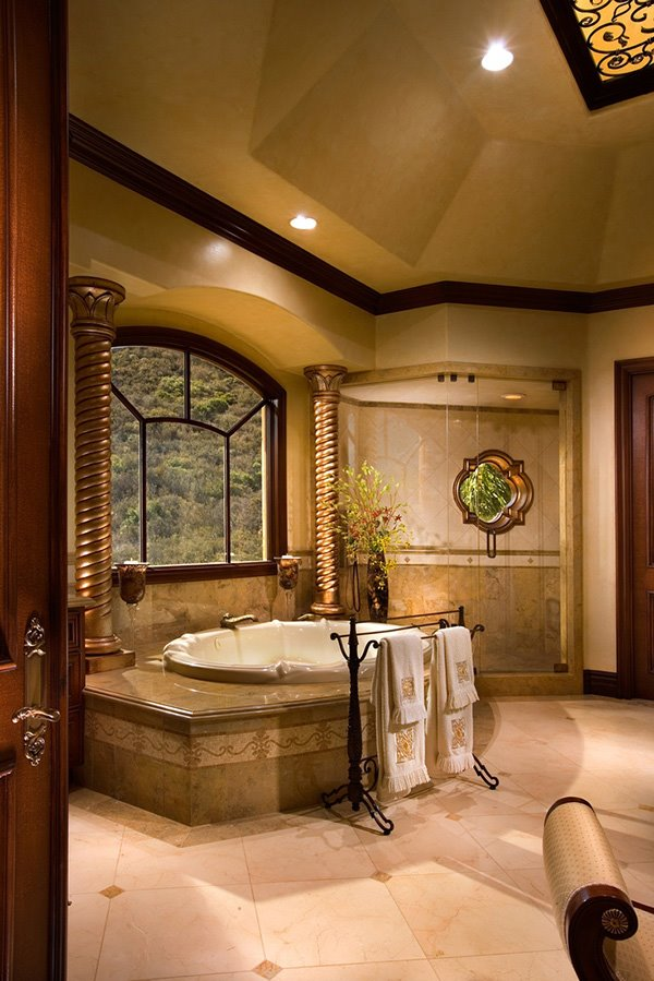 title | Luxurious bathrooms