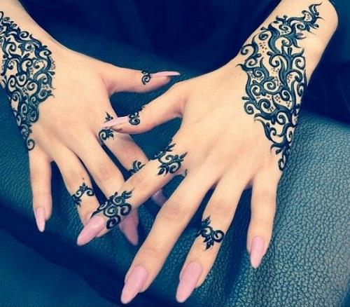 exquisite mehndi design 1
