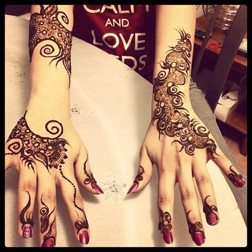 exquisite mehndi design 14