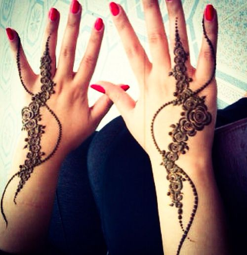 exquisite mehndi design 17