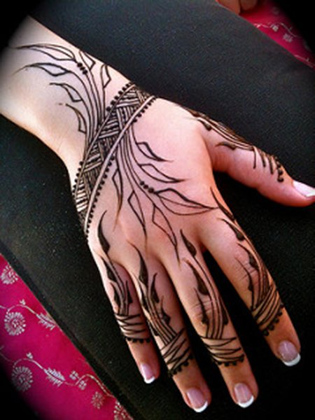 exquisite mehndi design 18
