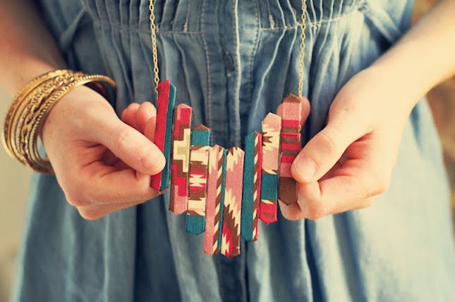 popsicle stick diy necklace