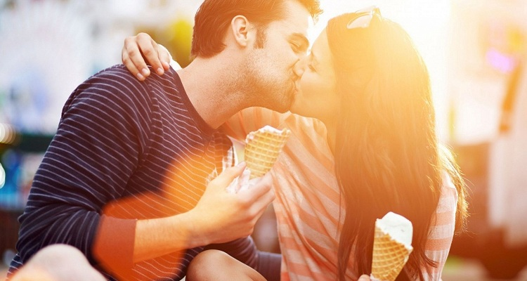 10 types of most romantic kisses anyone would love to have