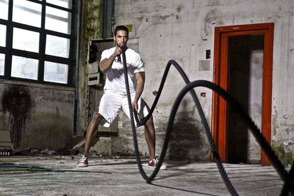 battle ropes - exercises that burns fat faster than running