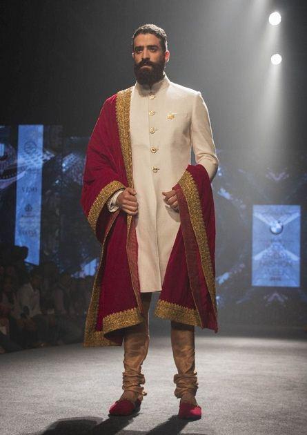 Royal And Classy Sherwani 011220153