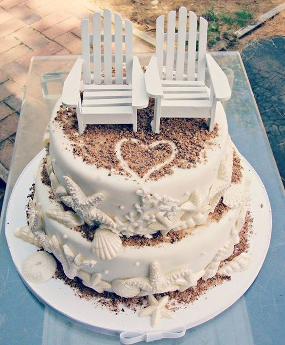 Cake for beach wedding