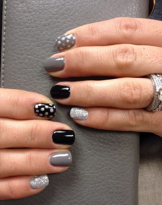 Classy and glittery dots nail design - 50 Different Polka Dots Nail Art Ideas That Anyone Can DIY