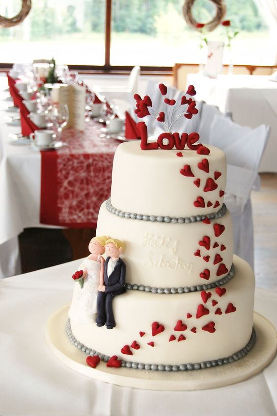 Cute hearts wedding cake