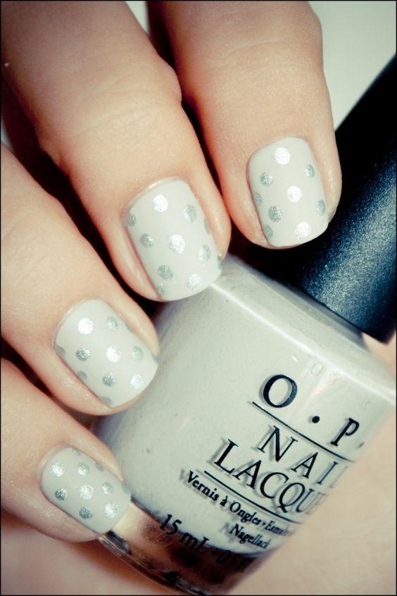 Glittering polka dots nail art