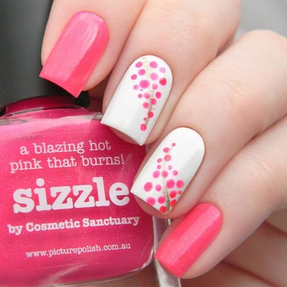 Totally stylish nail design - 50 Different Polka Dots Nail Art Ideas That Anyone Can DIY