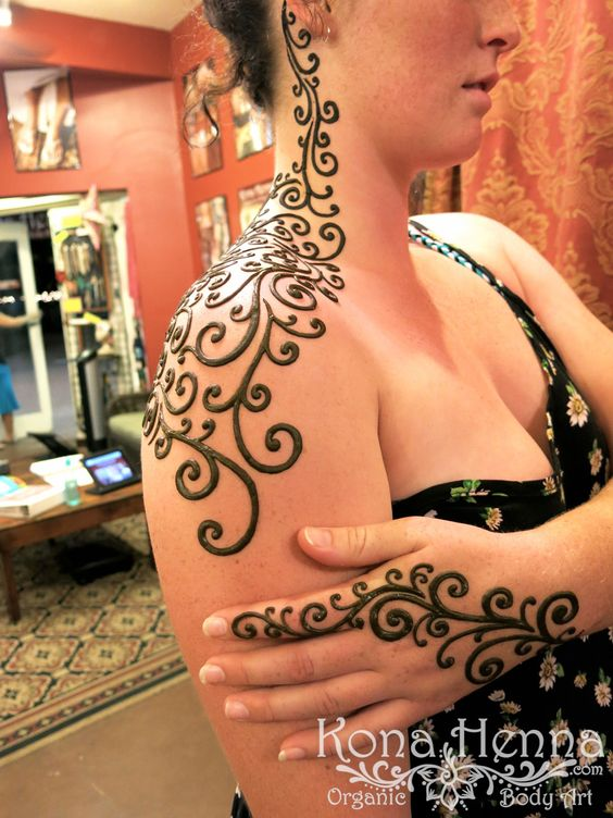Shoulder Mehndi-Heena 15