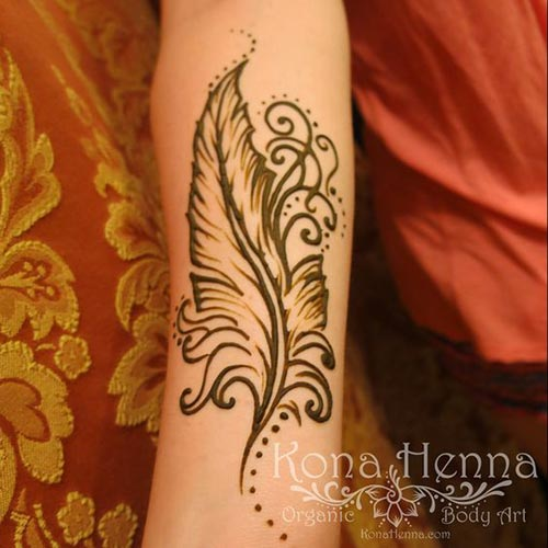 Delicate-feather-henna-tattoo