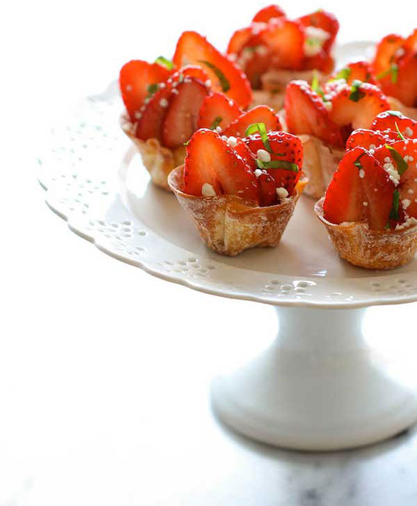 Strawberry Wonton Cups 1