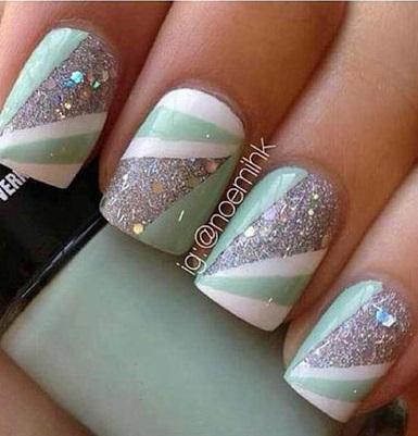 Diverging strip nail design