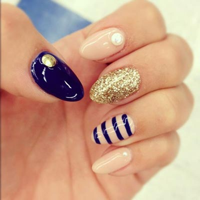 One nail with stripes