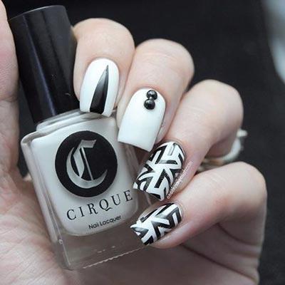 Random stripped nail art
