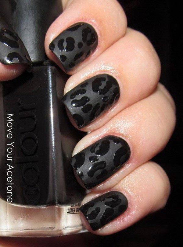 Animal print black nail art