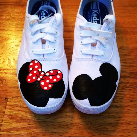 Mickey and minnie faces painted on shoes - Hand painted sneakers