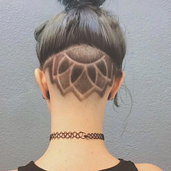 Upside down Lotus Undercut