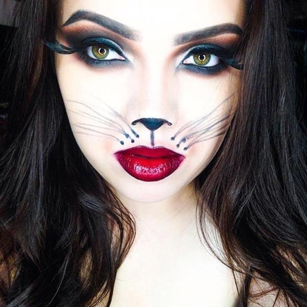 cute cat look
