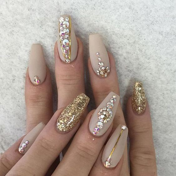 Awesome design on nude shade