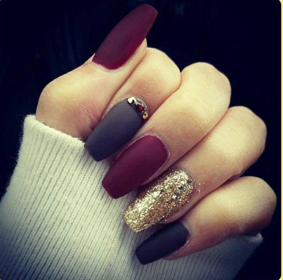 Just WOW matte and glitter nails