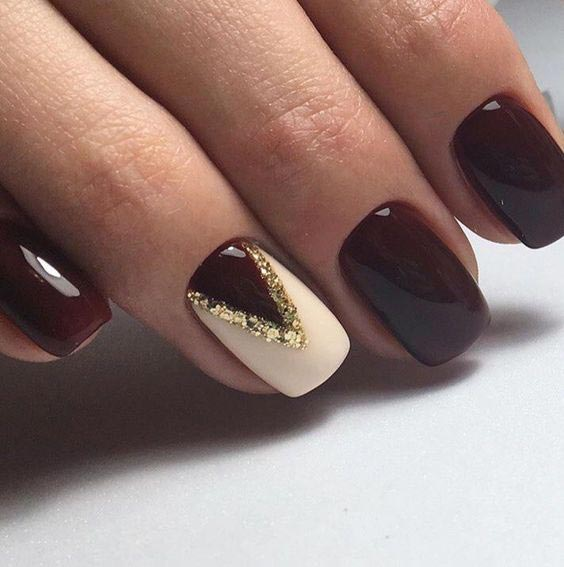 Touch of glitter to maroon and off white glitter nail art