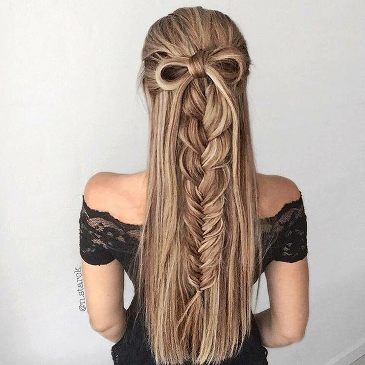 Cute bow with braid hairstyle