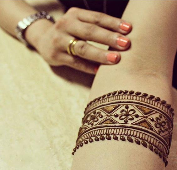 Mehndi For Wrist : Top henna wrist cuff designs to try