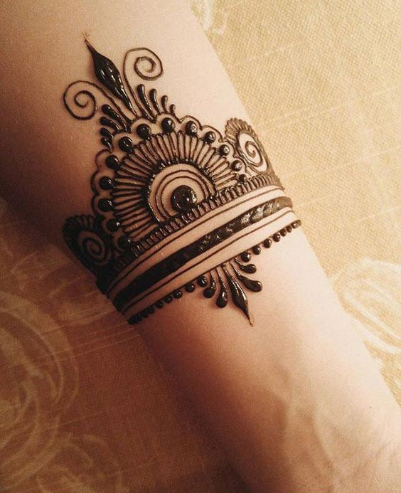Top 10 Henna Wrist Cuff Designs To Try