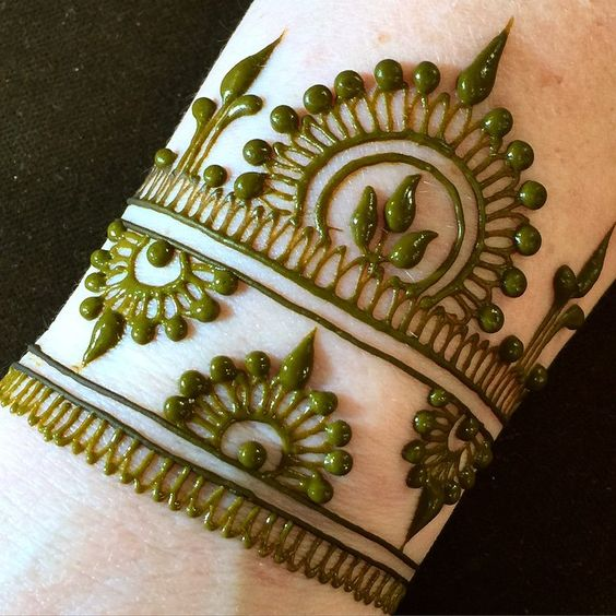 Mehendi Designs For Wrist Part 2 Mehndi Design: Top 10 Henna Wrist Cuff Designs To Try On Any Occassion