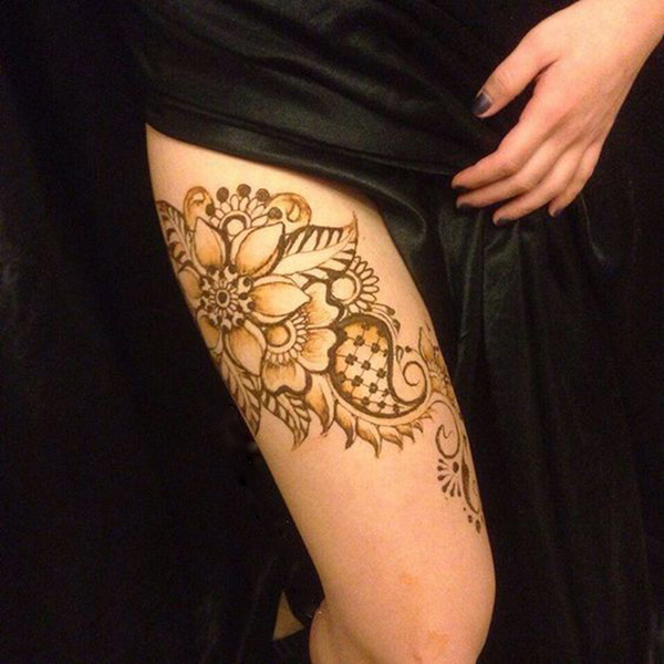 Beautifully Crafted Thigh Henna Design