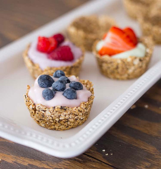 Oatmeal Cups With Yogurt And Fruit yogurt dessert recipes