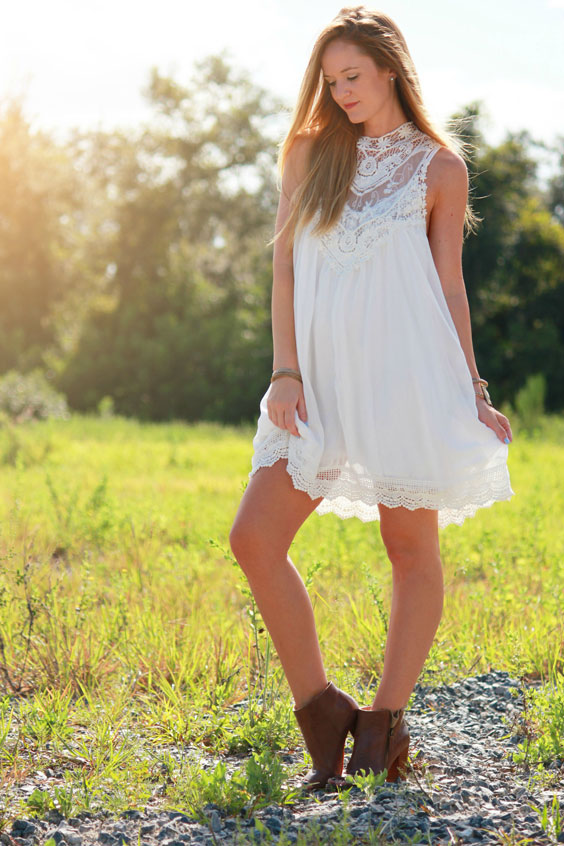 boho-in-lace-dress