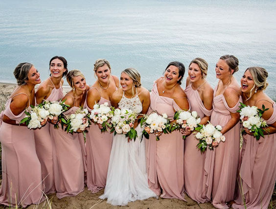 bridesmaids-photoshoot-ideas-14