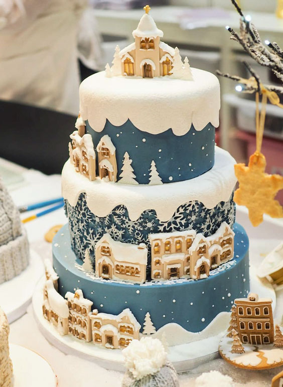 Dreamy Winter Christmas Cake