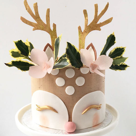 Super Cute Reindeer Cake