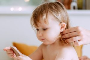 6 Home Remedies to Get Rid of Baby Dandruff