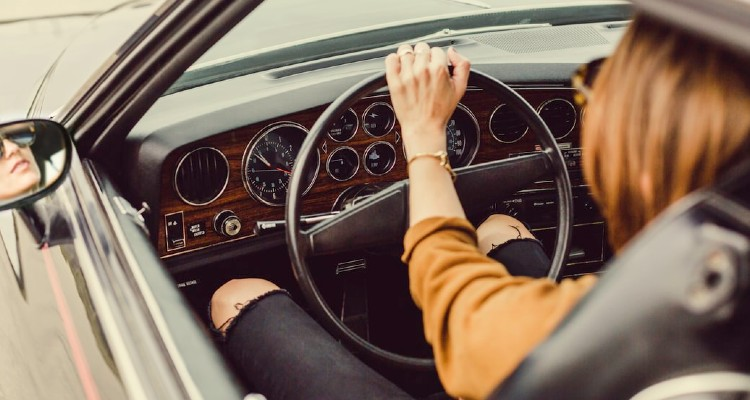 Road Safety Tips Every Woman Should Know When Driving Solo