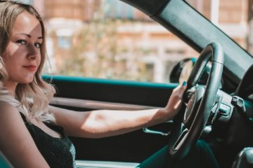 Five Essential Tips Every Savvy Modern Woman Must Know When Buying A New Car