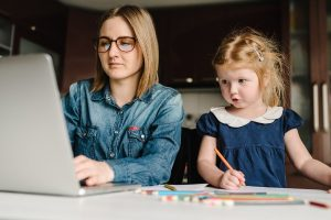 6 Simple Ways Moms can be Productive While Staying at Home