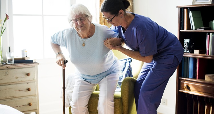 Things To Consider When Choosing In-Home Nursing Services For Elderly Loved Ones