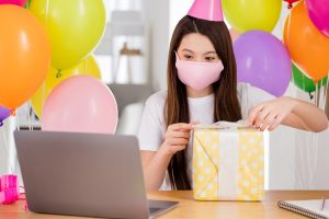 How to Organize a Virtual Party with Your Girl Friends