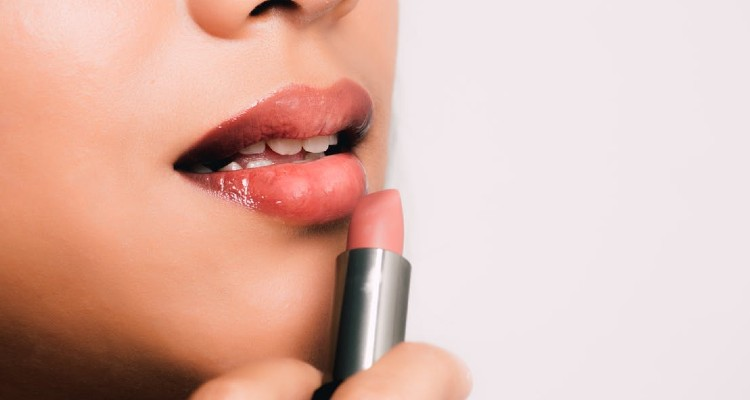 Achieve Luscious Lips with these Tips