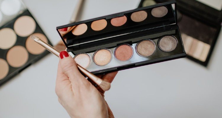 7 Brilliant Makeup Tips to Know If You have a Sensitive Skin